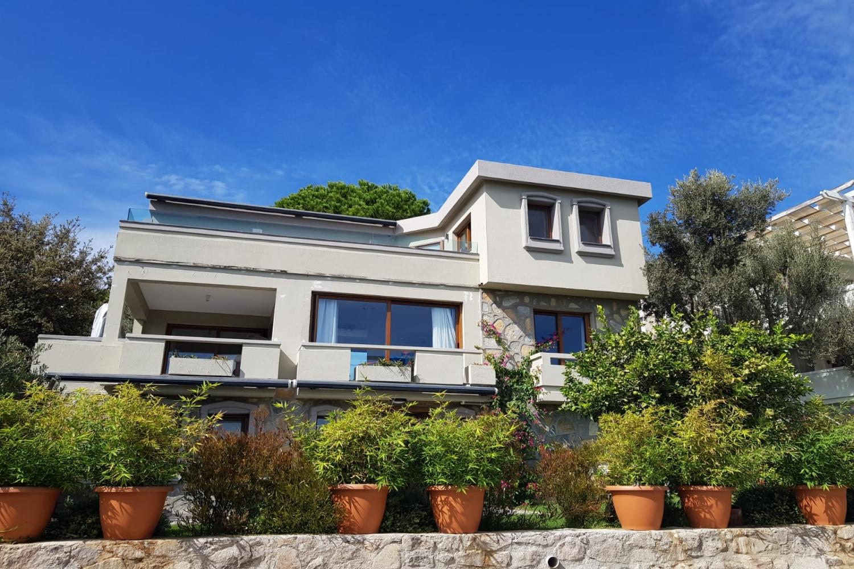 Bodrum Türkbükünde Mayıs Haziran Eylül Kiralık Lüks Villa